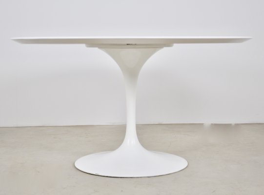 Dining table by Eero Saarinen for Knoll International, 1965s