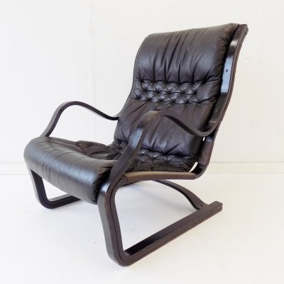 Asko Koivutaru black leather armchair by Esko Pajamies