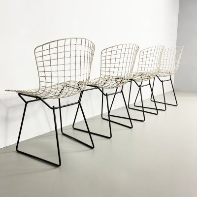Set of 4 Early Two Tone Bertoia Side Chairs by Knoll, c.1960