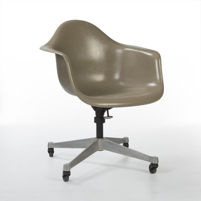 Greige Herman Miller Original Vintage Eames DAT Desk Tilting Arm Chair
