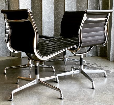 Eames Vitra Alu group side chairs in chrome & leather, 1980s