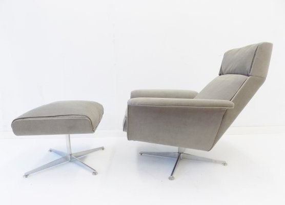 Kaufeld Siesta 62 grey lounge chair with ottoman by Jacques Brule