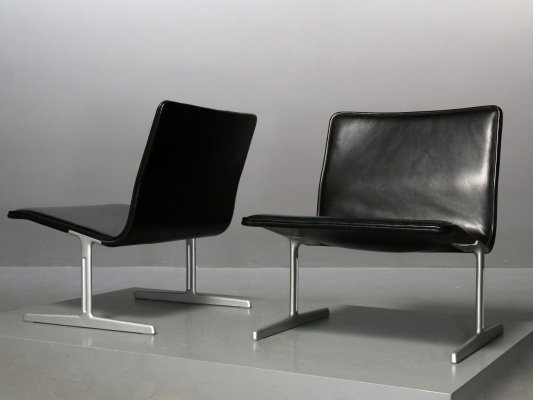 Pair of all black 601 (RZ60) Chairs by Dieter Rams for Vitsoe, 1970s