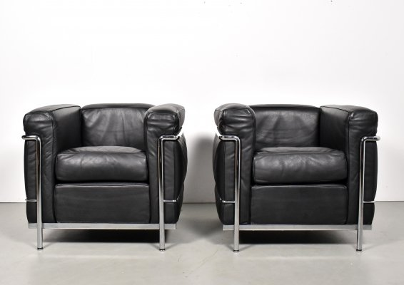 2 x LC2 lounge chair by Le Corbusier for Cassina, 1990s