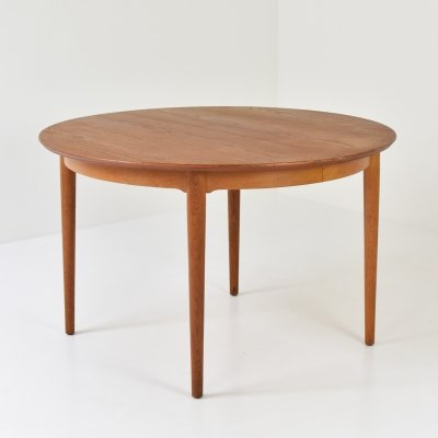 Circular dining table by Arne Vodder for Sibast Mobler, Denmark 1955