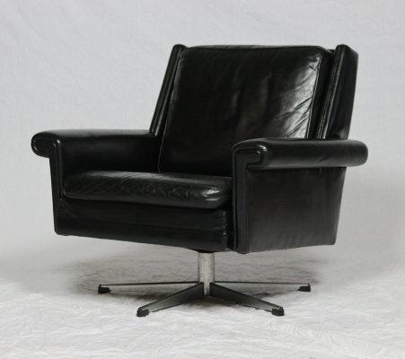 60's James Bond swivel chair