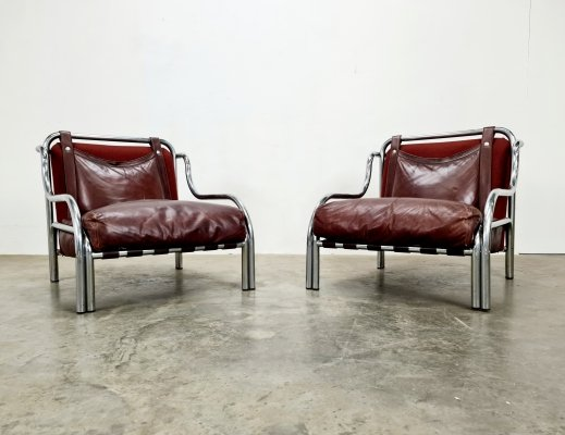 Burgundy red 'Stringa' chairs by Gae Aulenti for Poltronova, 1970s