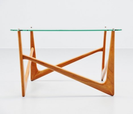 Sculptural side table, Italy 1950