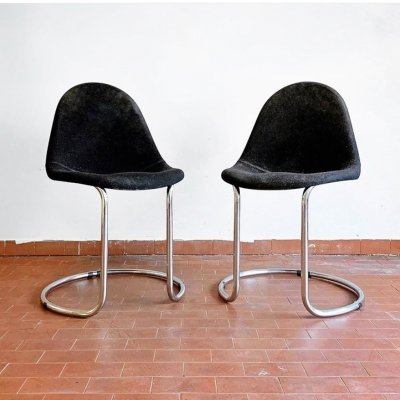 Pair of Maia dining chairs by Giotto Stoppino for Bernini, 1970s