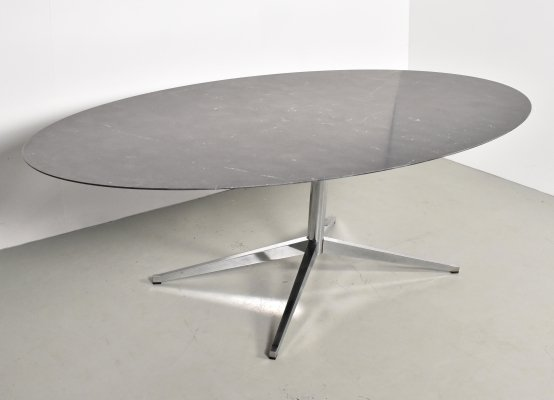 Dining table by Florence Knoll for Knoll, 1990s