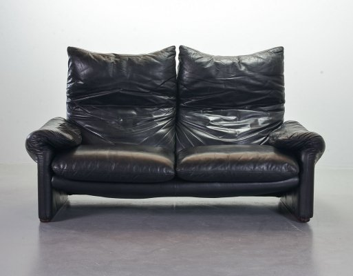 Cassina Black Leather 2-Seat Sofa 'Maralunga' by Vico Magistretti, Italy 1970s