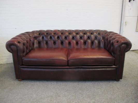 Vintage Salvale oxblood red Chesterfield sofa, 1980s