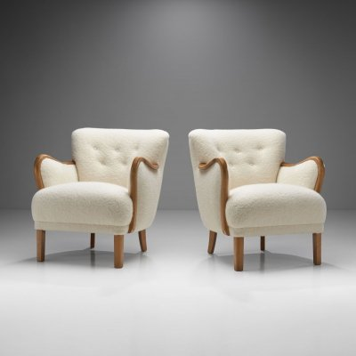 Pair of Beech Easy Chairs with Curved Armrests, Denmark 1940s