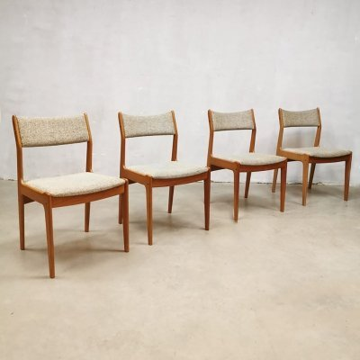 Set of 4 vintage design dining chairs by Victor Wilkins for G-plan