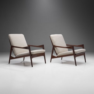 Pair of Danish Ribbed Back Lounge Chairs, Denmark 1960s