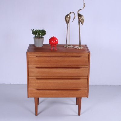 Vintage Scandinavian chest in teak with 4 drawers