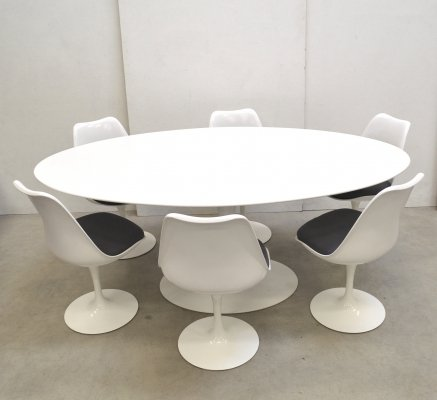 Oval Tulip Dining Table & 6 Tulip Chairs by Eero Saarinen for Knoll, 1990s