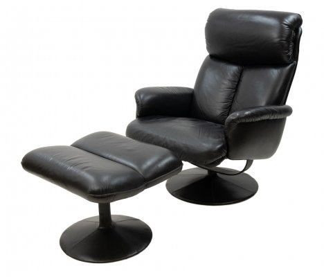 Thams Black Leather Lounge Chair & Ottoman