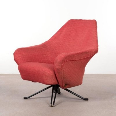 Red P32 lounge chair by Osvaldo Borsani for Tecno, 1960s