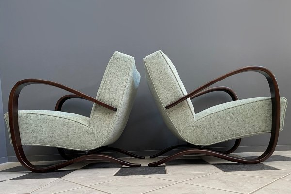 Pair of Jindrich Halabala H-269 Art Deco chairs for UP Zavody, 1930s