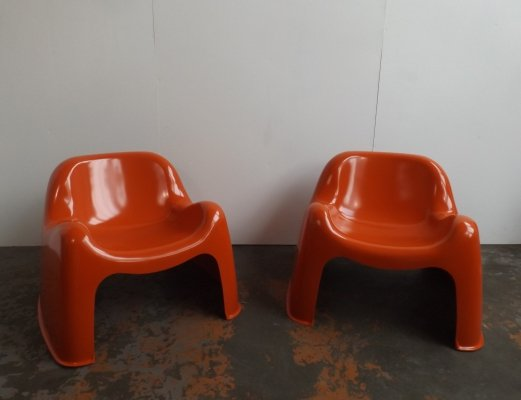 Pair of Toga lounge chairs by Sergio Mazza for Artemide, 1970s