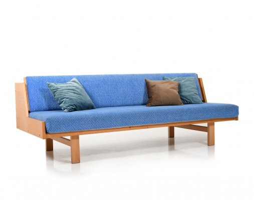 Daybed GE-258 by Hans J. Wegner for Getama Denmark