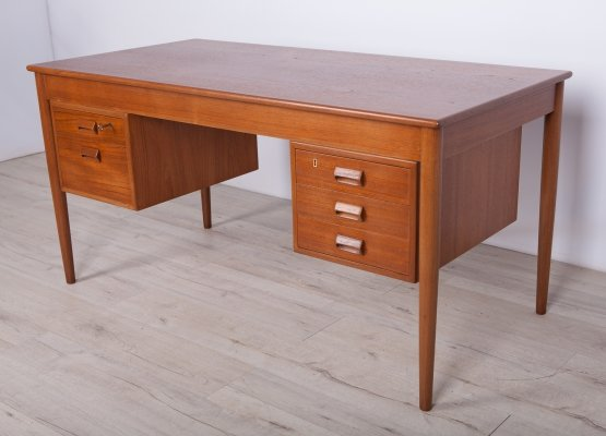 Danish Teak Desk by Børge Mogensen for Søborg Furniture, 1960s