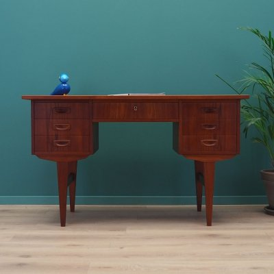 Teak desk, Danish design 1970s