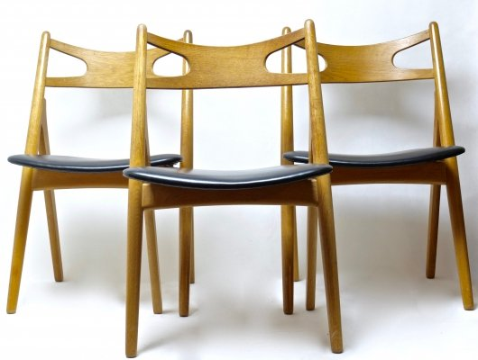 3 x CH-29 Sawbuck vintage design dining chairs by Hans Wegner in oak & leather