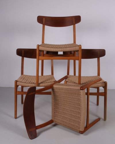 Set of 4 Hans Wegner dining room chairs model CH23