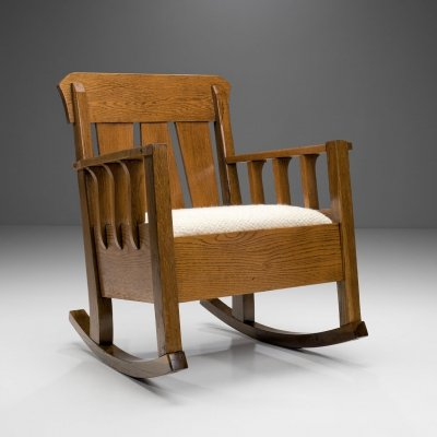Oak 'Jugend' Rocking Chair, Europe ca 1920s