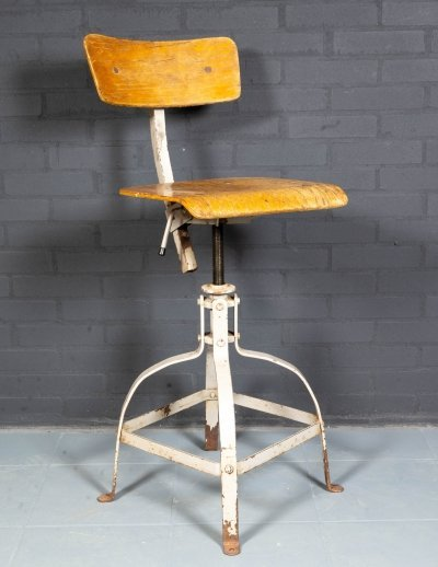 Bienaise industrial work stool No. 204, France 1950s