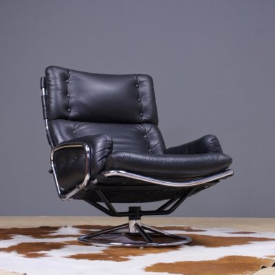 SZ19 Tanabe swivel lounge chair by Martin Visser in black leather, 1970s