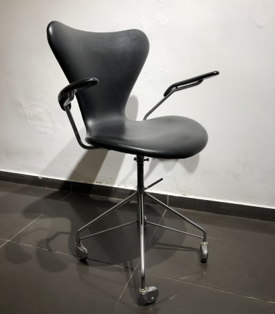 Early '3217' Swivel Office Chair by Arne Jacobsen for Fritz Hansen, 1950s