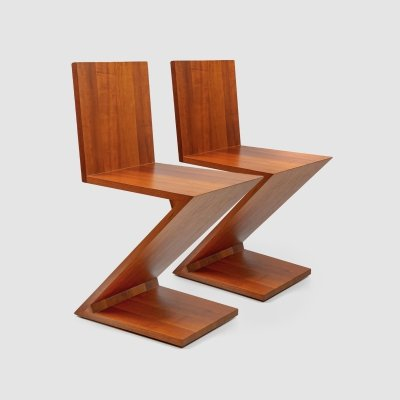 Zig Zag chairs by Gerrit Rietveld for Cassina