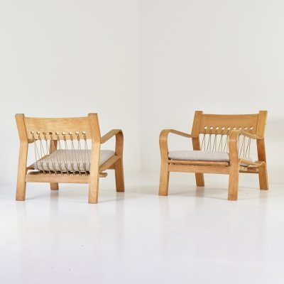Rare pair of GE 671 easy chairs by Hans Wegner for Getama, Denmark 1967