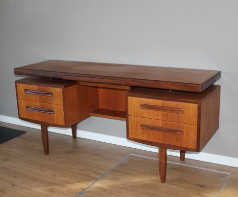Vintage mid century Scandinavian style G-Plan desk or dressing table, 1970s