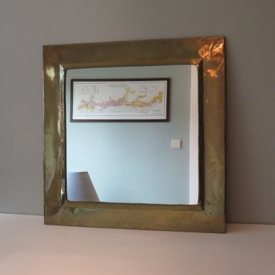Square mirror in pleated brass, 1970s