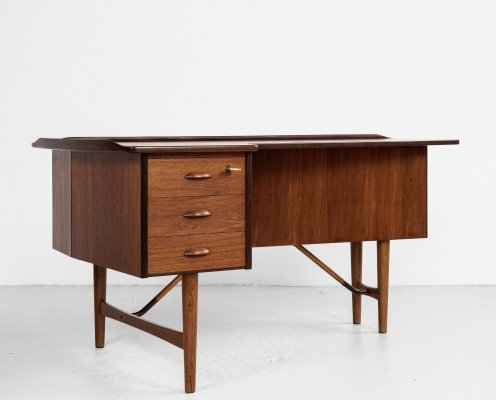 Midcentury Boomerang desk in teak & oak by Peter Løvig Nielsen, 1950s