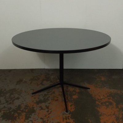 Round table by Friso Kramer for Ahrend de Cirkel, 1960s