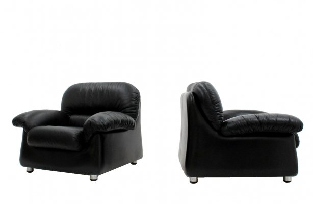 Pair of black leather armchairs by Sormani, 1970s