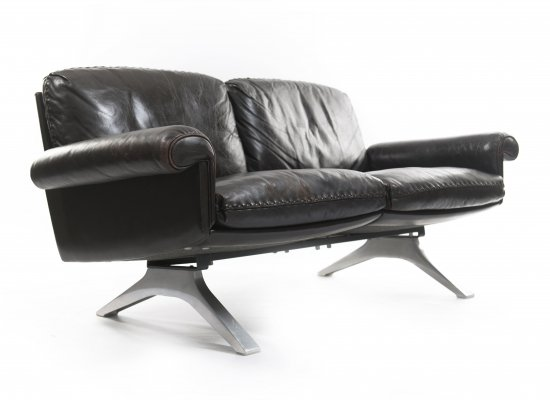 Quality 2-seat DS 31 sofa by De Sede, Switzerland 1970s