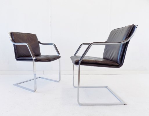 Knoll Art Collection set of 2 brown leather armchairs, 1980s