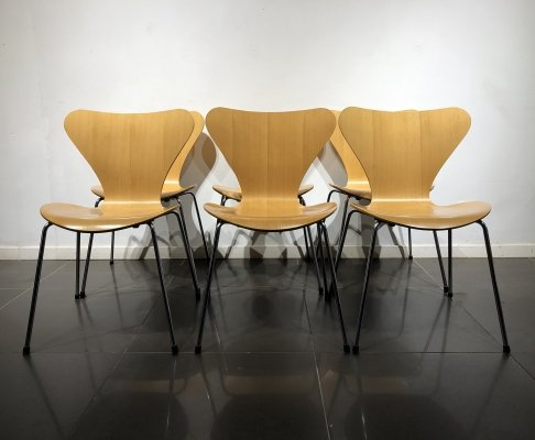 Set of 6 Beech Wood 'Series 7' Chairs by Arne Jacobsen for Fritz Hansen, 1980s