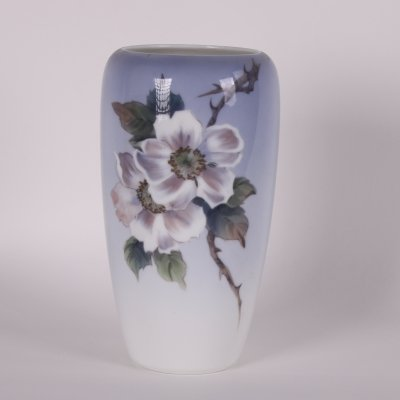 Royal Copenhagen Vase no 2630/1049 with roses