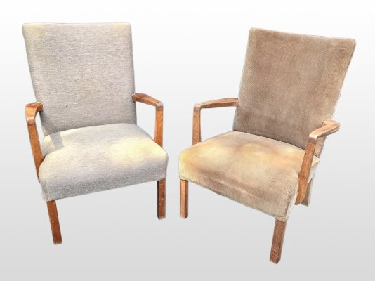 Pair of oak chairs, 1970s