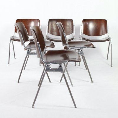 Set of 6 chairs by Giancarlo Piretti for Castelli, Italy