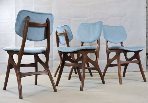 Set of 4 Pynock chairs with blue velvet