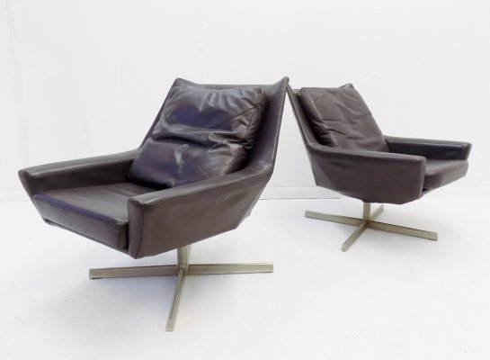 Knoll set of 2 brown leather lounge chairs, 1960s