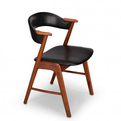 Model 32 dining chair in teak with leatherette by Kai Kristiansen, 1960s
